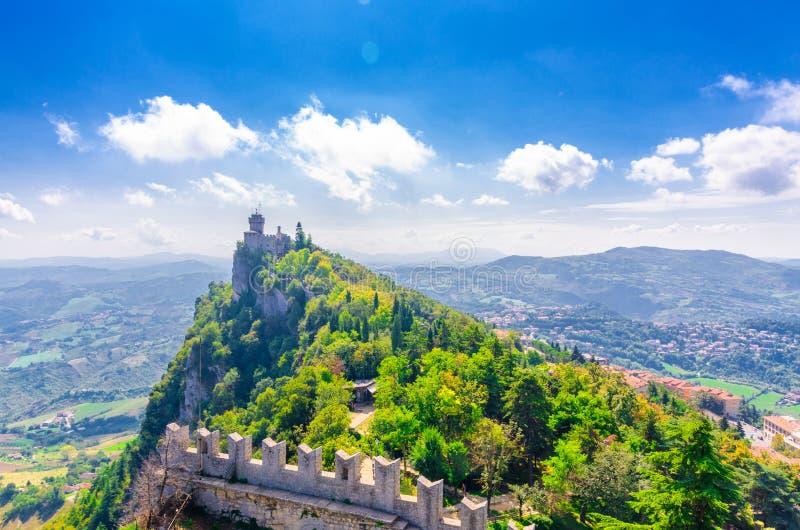 Festungsturm Republik-Sans Marino Seconda Torre La Cesta zweite lizenzfreies stockfoto