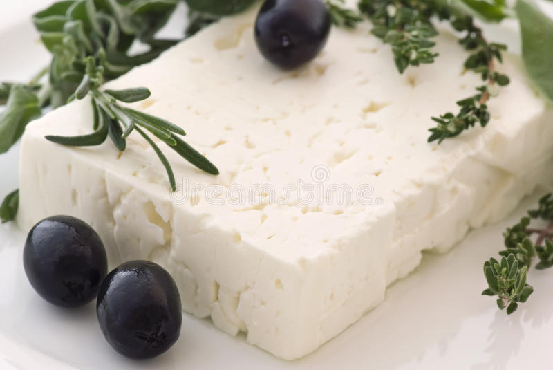 Feta avec des olives image stock