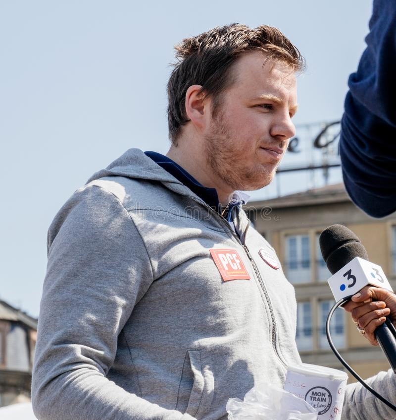Fete μια συνέντευξη Macron από τη Γαλλία 3 κεντρική τηλεόραση στοκ φωτογραφία με δικαίωμα ελεύθερης χρήσης