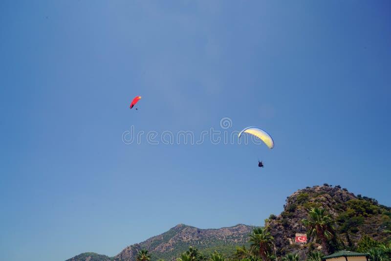 Fethiye nieżywego morza paragliding, mugla, indyk zdjęcia stock