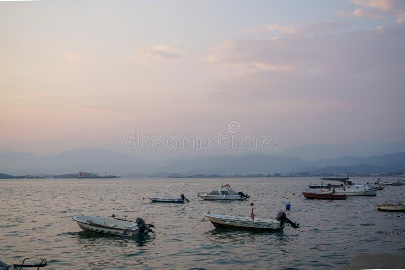 Fethiye zmierzch na plaży, Mugla, Turcja obraz stock