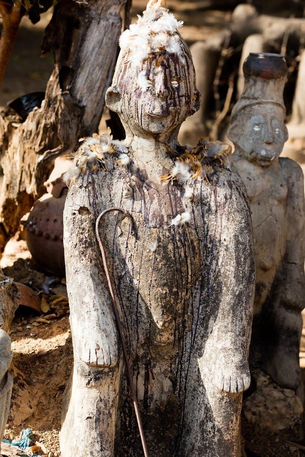 Fetisch in Lobi-Dorf stockfotografie