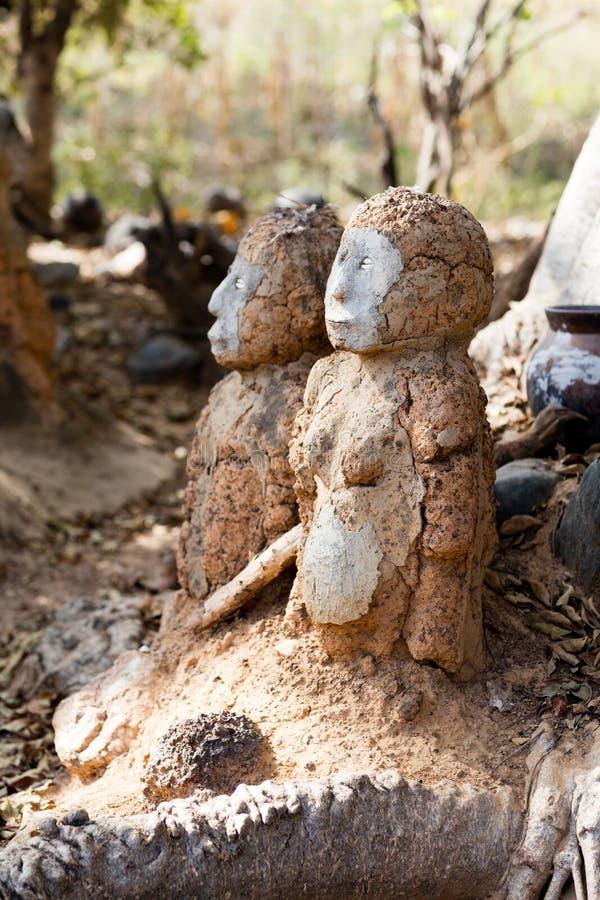 Fetisch in Lobi-Dorf stockfoto