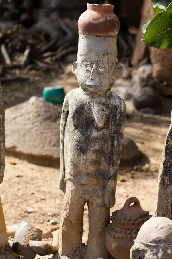Fetisch in Lobi-Dorf, Burkina Faso lizenzfreies stockbild