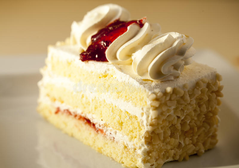 Fetta di dolce della vaniglia immagine stock libera da diritti