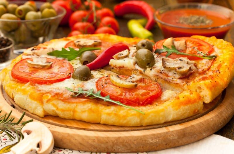 Fetta di pizza calda fotografia stock libera da diritti
