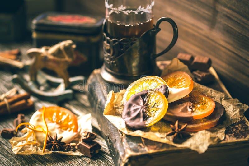 Fette arancio candite in cioccolato fotografia stock