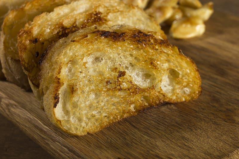 Fette arrostite di pane francese fotografia stock