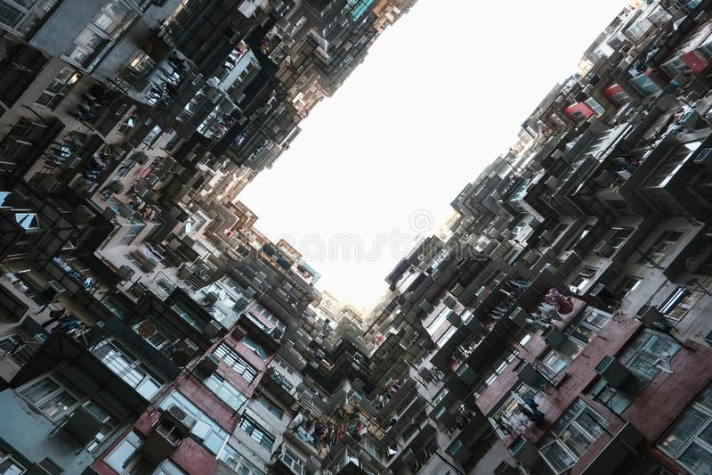 Fettes Gebäude Yick in Hong Kong stockbild