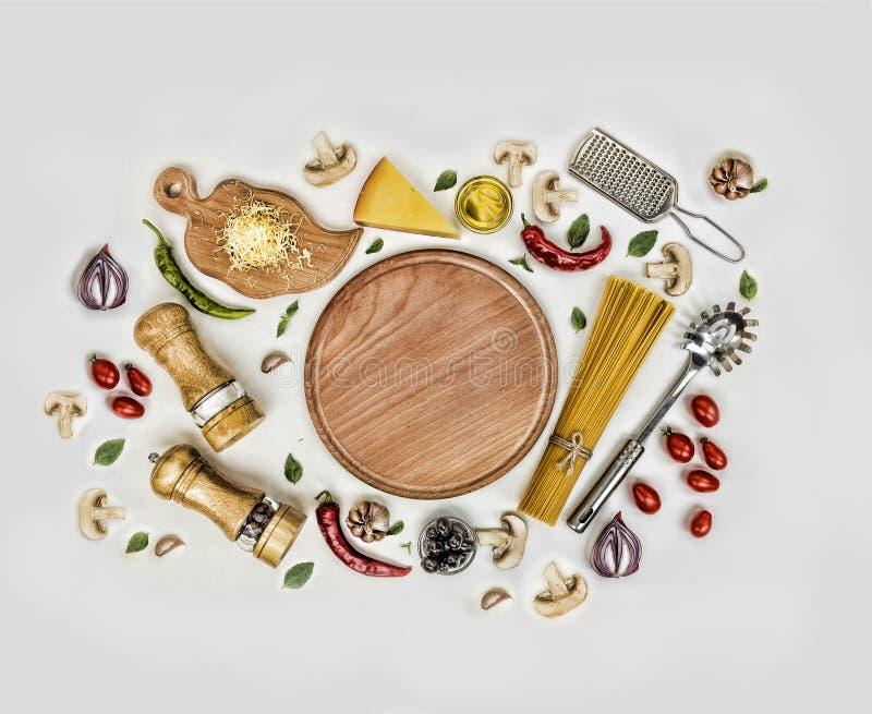 Fettuccine и спагетти стоковое изображение rf