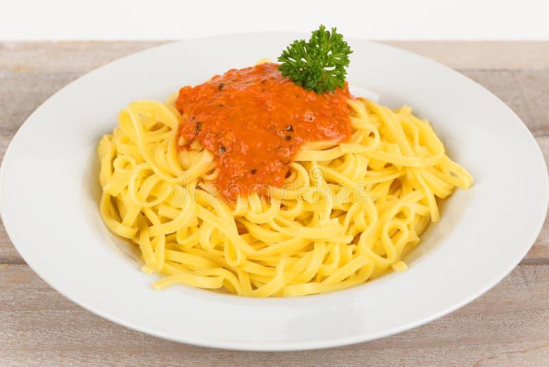 Fettuccine с томатным соусом стоковые фото