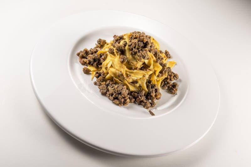 Fettuccine bolognese блюда макаронных изделий стоковые изображения