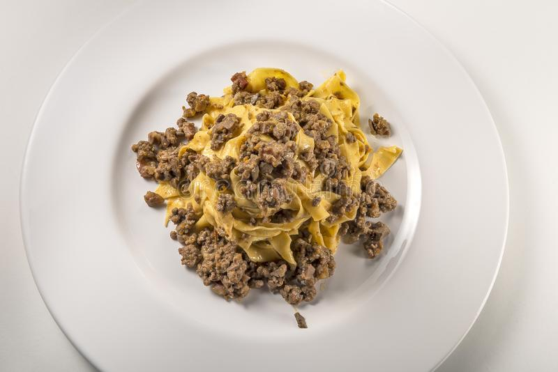 Fettuccine bolognese блюда макаронных изделий стоковая фотография