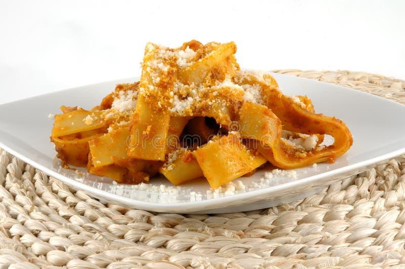 Fettuccini mit Eber lizenzfreie stockfotos