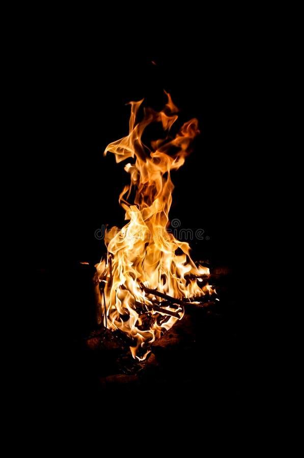 Feuer in der Nacht lizenzfreie stockfotografie