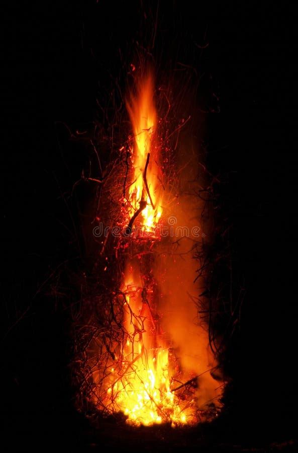 Walpurgisnachtfeuer lizenzfreie stockbilder