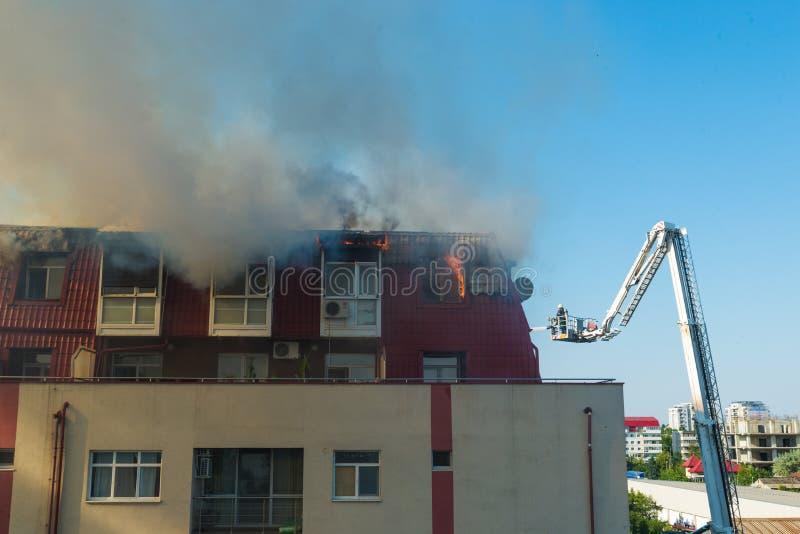 Feuer im Dachboden lizenzfreies stockbild