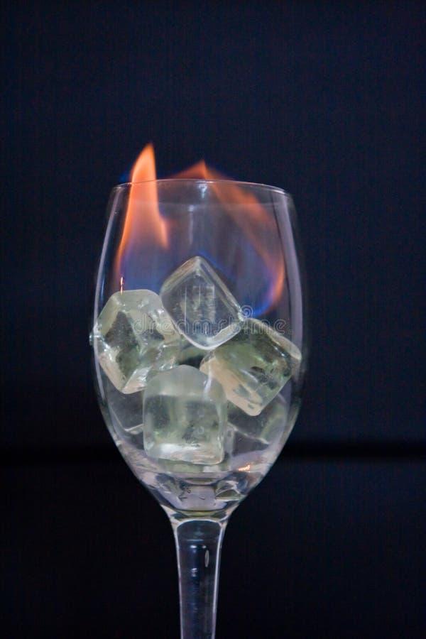 Feuer im Glas stockbild