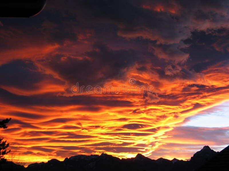 Feuer im Himmel stockfotografie