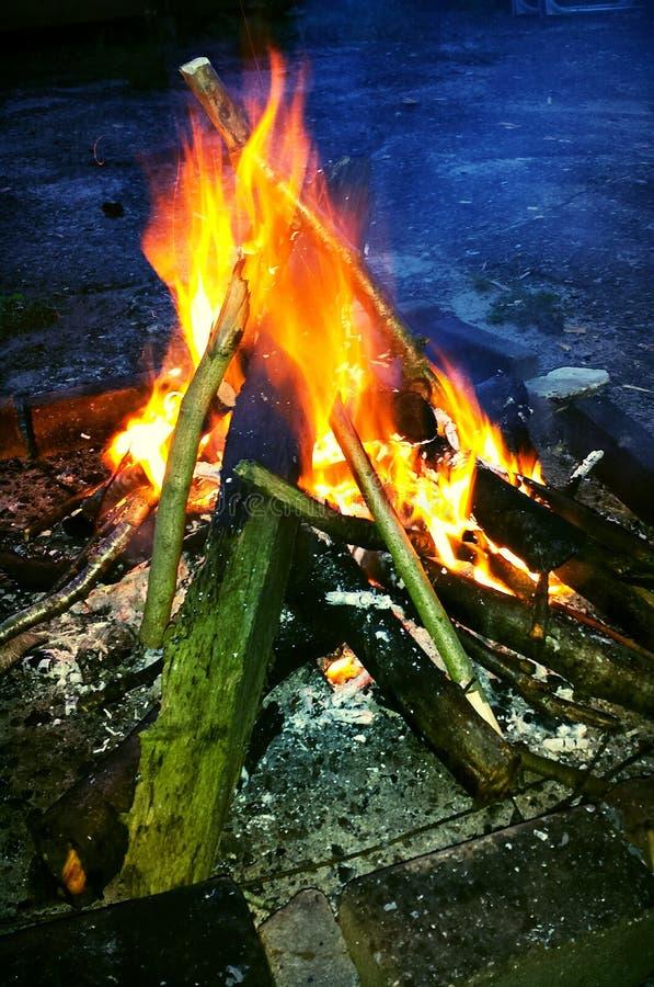 Feuer im Loch lizenzfreies stockfoto
