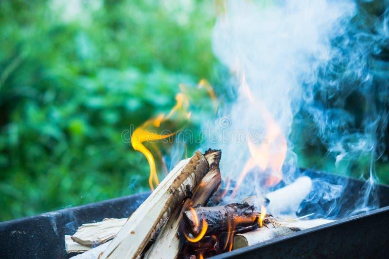 Feuer im Messingarbeiter lizenzfreie stockbilder