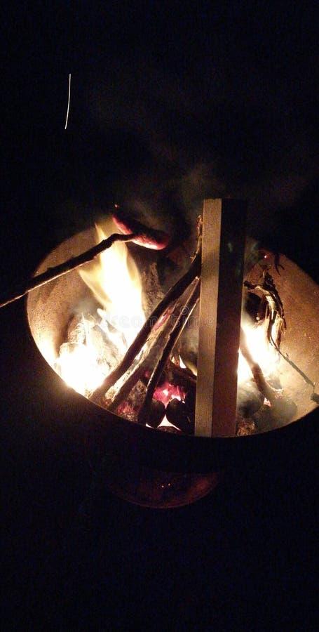 Feuer ist nicht genug stockbilder