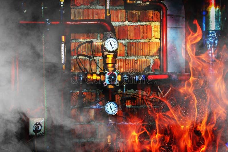 Feuer, Rauch und Dampf in einem Heizraum lizenzfreie stockfotos