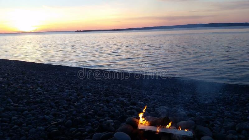 Feuer und Sonnenuntergänge stockfotografie