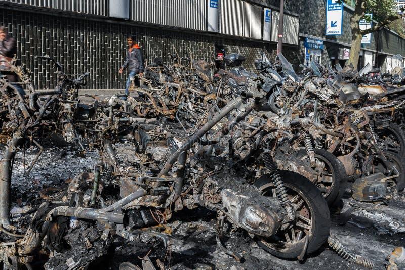 Feuer in zentralem Paris lizenzfreies stockfoto