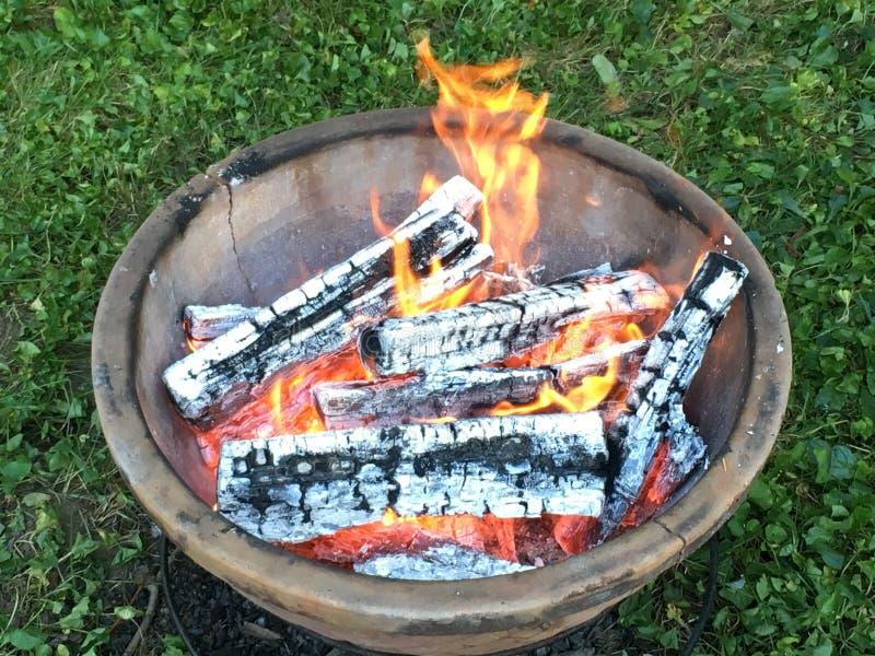 Feuergrube lizenzfreies stockfoto