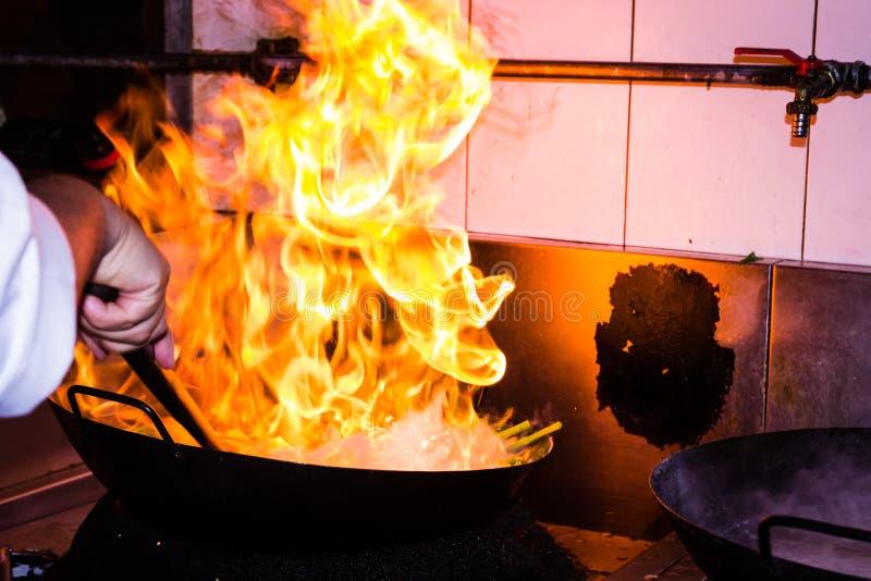Feuerkochen stockfoto