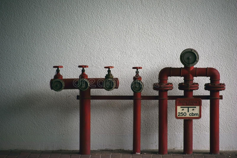 Feuerlöschwasserrohre lizenzfreies stockfoto