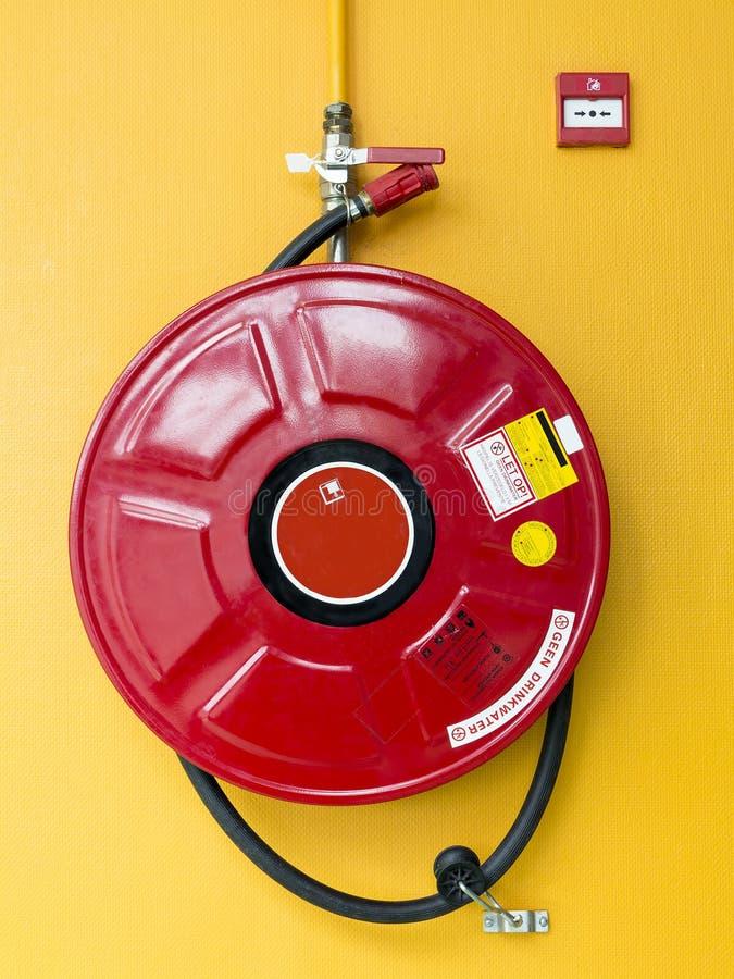 Feuermelder und Schutz lizenzfreies stockbild