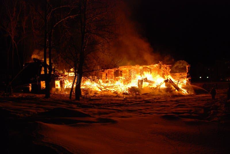 Feuersbrunst/Brennen/Feuerwehrmänner/Feuer, Leute auf Feuer stockfotos