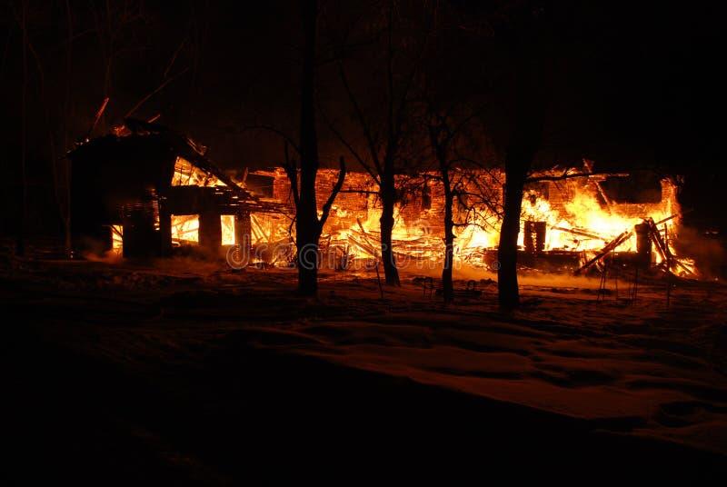 Feuersbrunst/Brennen/Feuerwehrmänner/Feuer, Leute auf Feuer stockbild