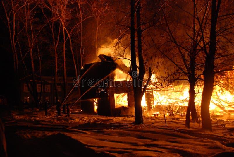 Feuersbrunst/Brennen/Feuerwehrmänner/Feuer, Leute auf Feuer lizenzfreie stockfotografie
