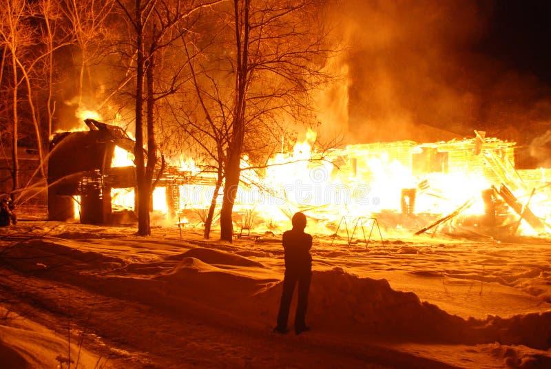 Feuersbrunst/Brennen/Feuerwehrmänner/Feuer, Leute auf Feuer stockbilder