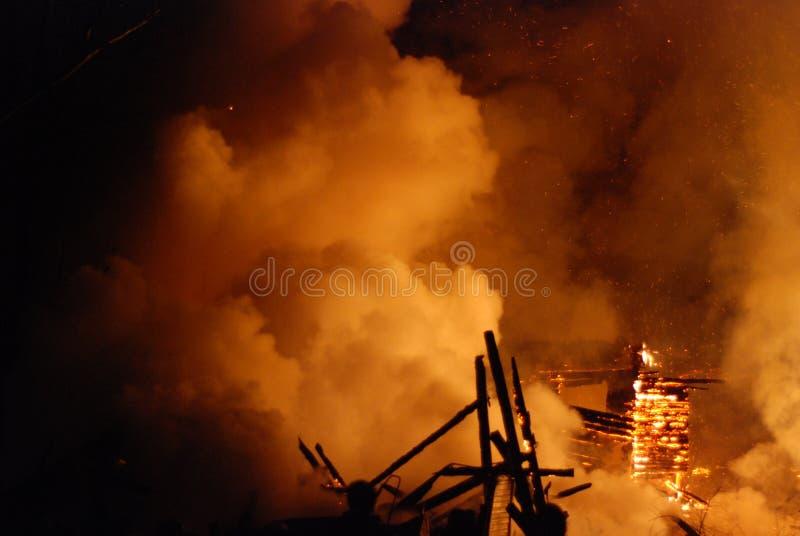 Feuersbrunst/brennende Feuerwehrmänner /fire, Leute auf Feuer stockbild