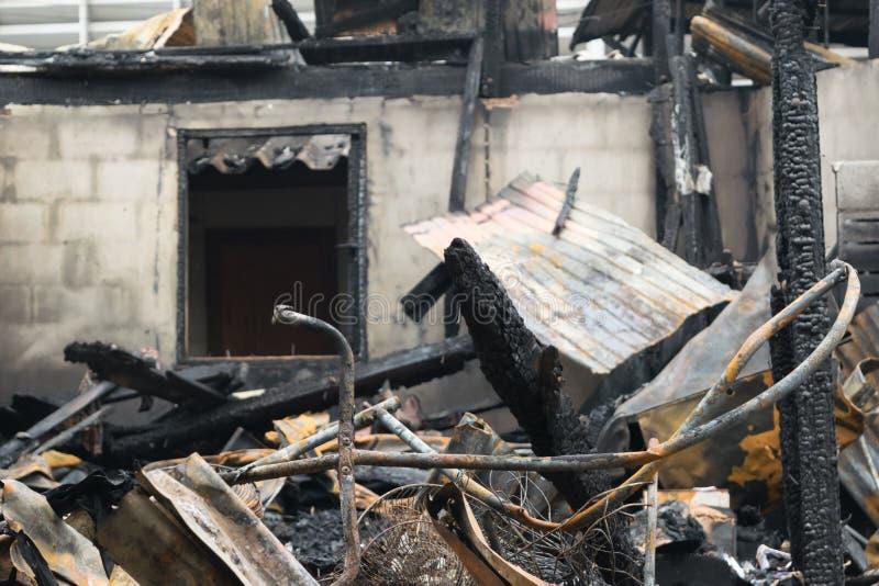 Feuersbrunst durch Feuer beschädigt stockfoto