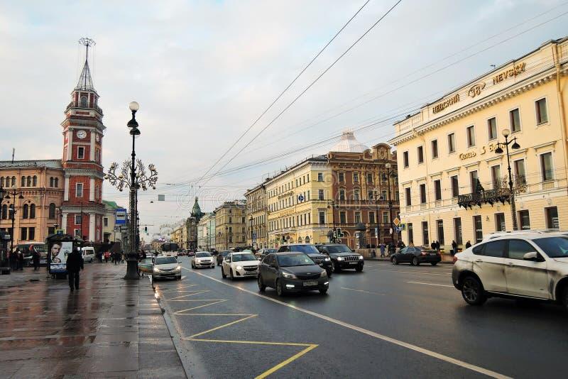 Download Feuerturm Auf Nevsky-Aussicht In St Petersburg Russland Redaktionelles Foto - Bild von aufgebaut, historisch: 106803426