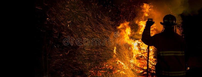Feuerwehrmann Silhouette stockfoto