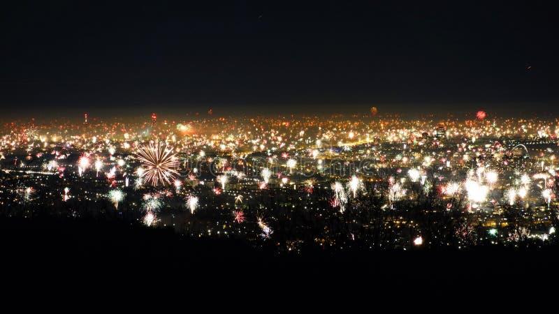 Feuerwerk über Wien lizenzfreie stockfotografie