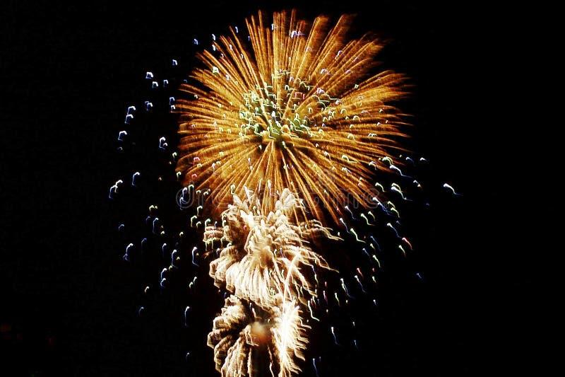 Download Feuerwerke stockfoto. Bild von helle, feier, shimmer, ausläufer - 29716