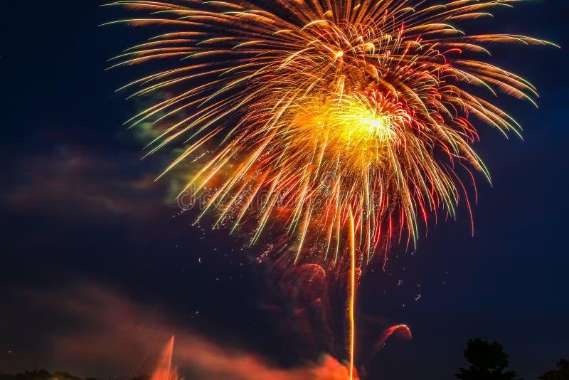 Feuerwerke bei Suanluang Rama IX, ist es der allgemeine Park stockfotos