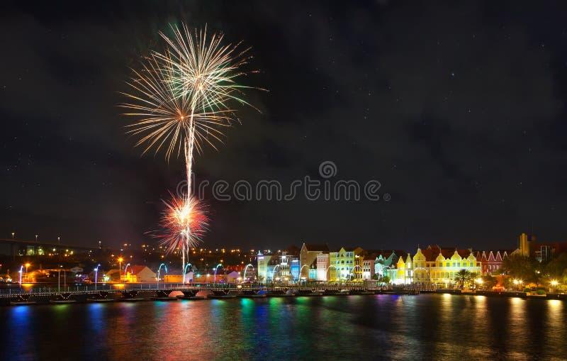 Feuerwerke in Curaçao lizenzfreie stockbilder