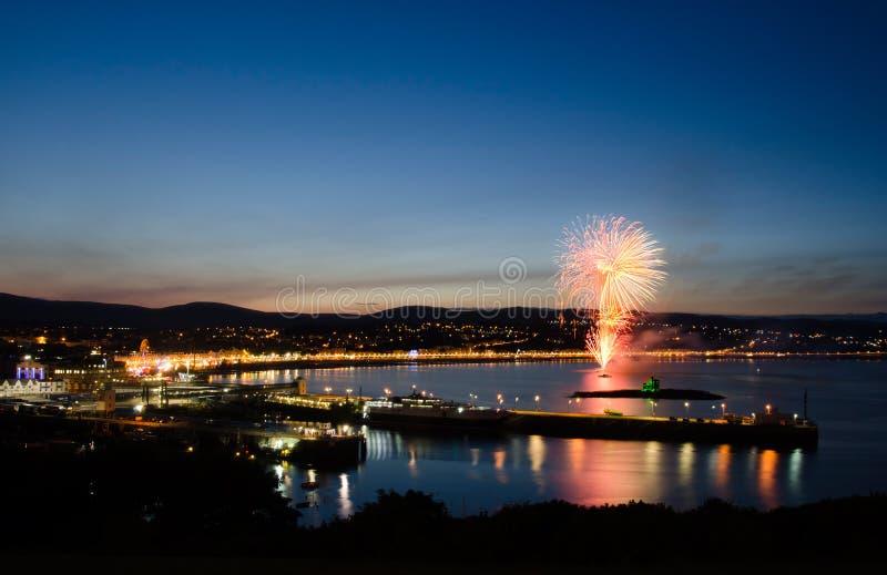 Feuerwerke an der Douglas-Schacht-Insel des Mannes lizenzfreies stockfoto