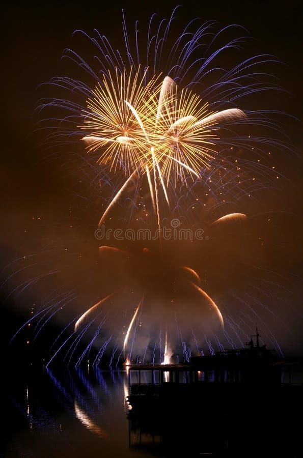 Feuerwerke Ignis Brunensis lizenzfreie stockfotografie