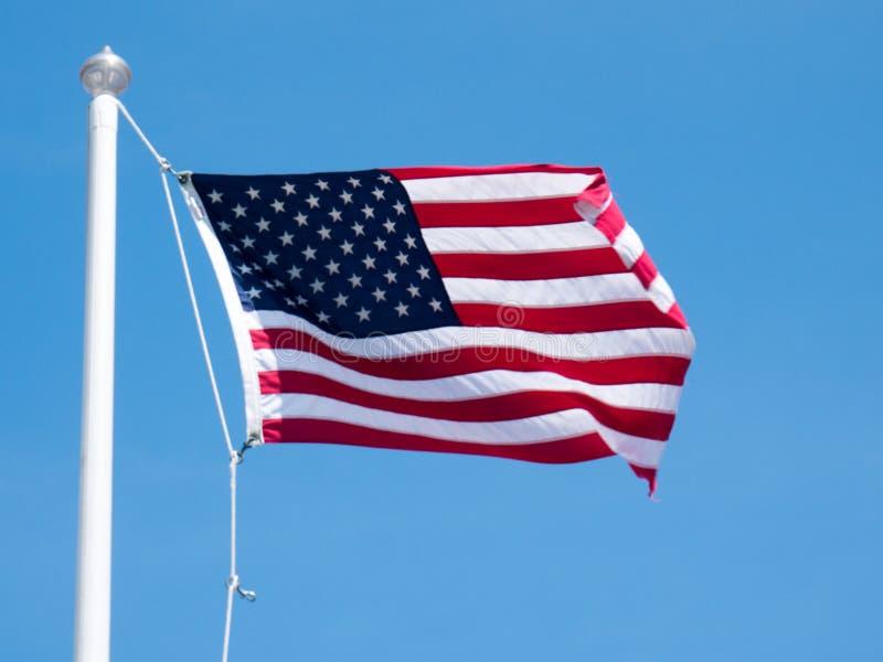 Feuerwerke im Nachtsternenklaren Himmel Amerikanisches Symbol des Viertels Juli-Unabhängigkeitstags, -demokratie und -patriotismu lizenzfreie stockfotos