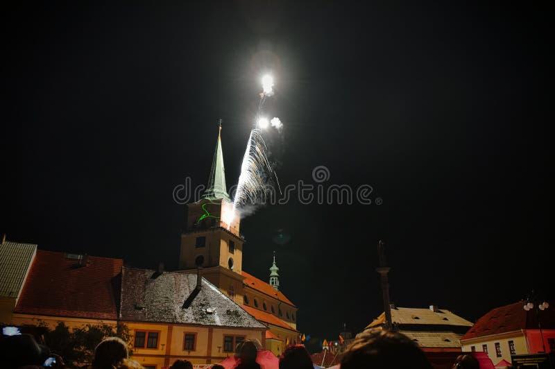 Feuerwerke nachts stockbilder