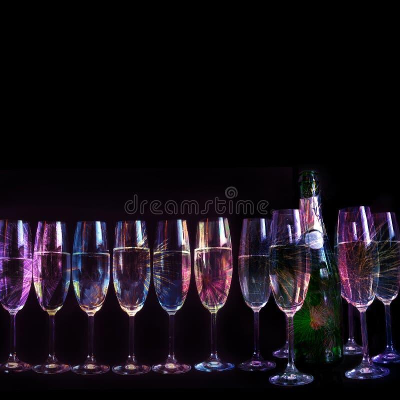 Feuerwerke reflektiert in den Gläsern 2 stockfotografie